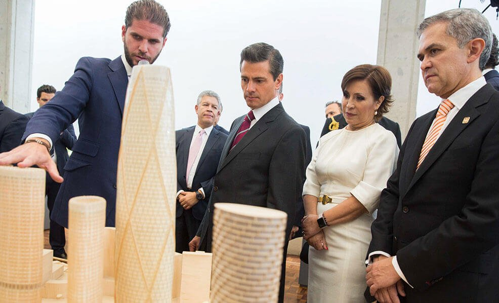 EPN Welcomes Javier SMH to Los Pinos among other Real Estate Developers